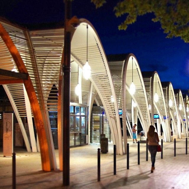 Bus Station in Aix en Provence, France. Architectural project: AREP. Lighting products: iGuzzini illuminazione. Picture courtesy of AREP. #iGuzzini #lighting #specialproduct #iGoccia