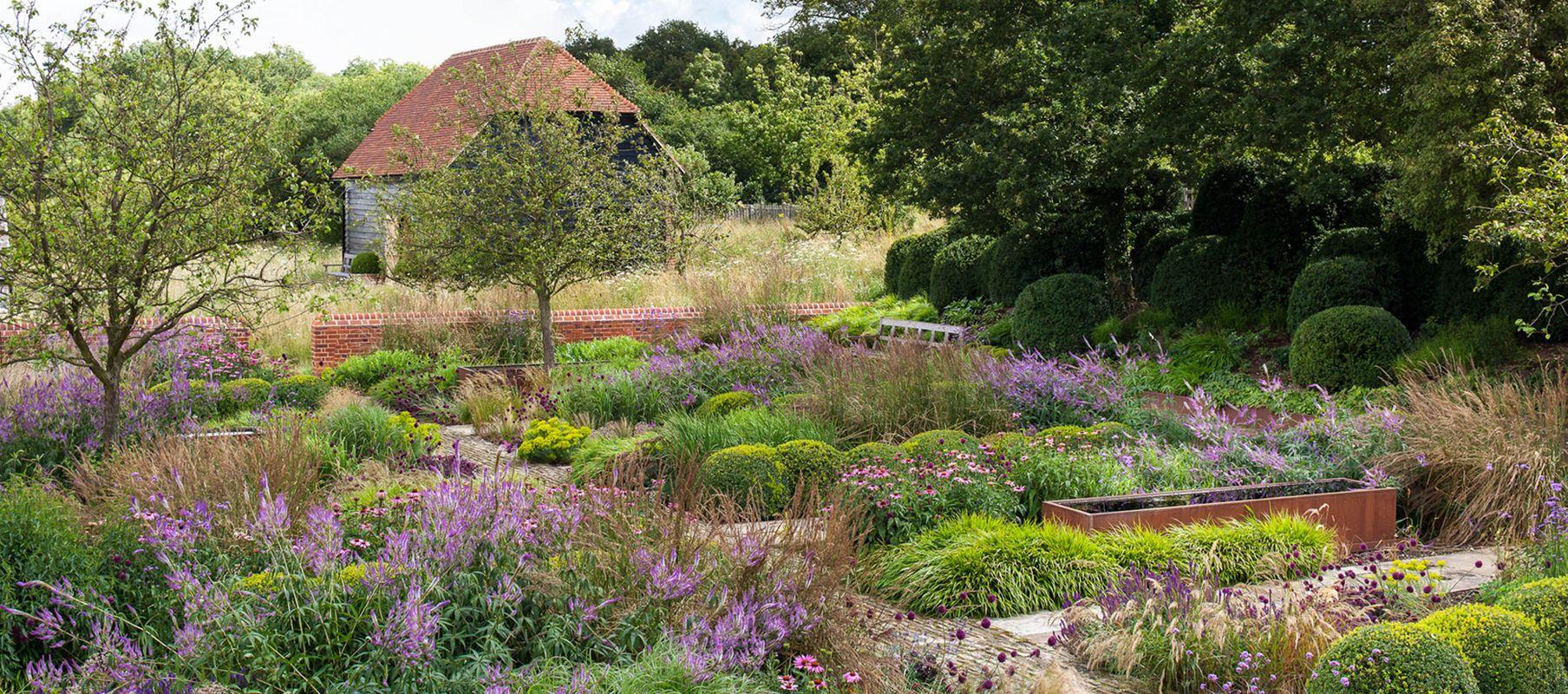 Berkshire Garden | Tom Stuart Smith
