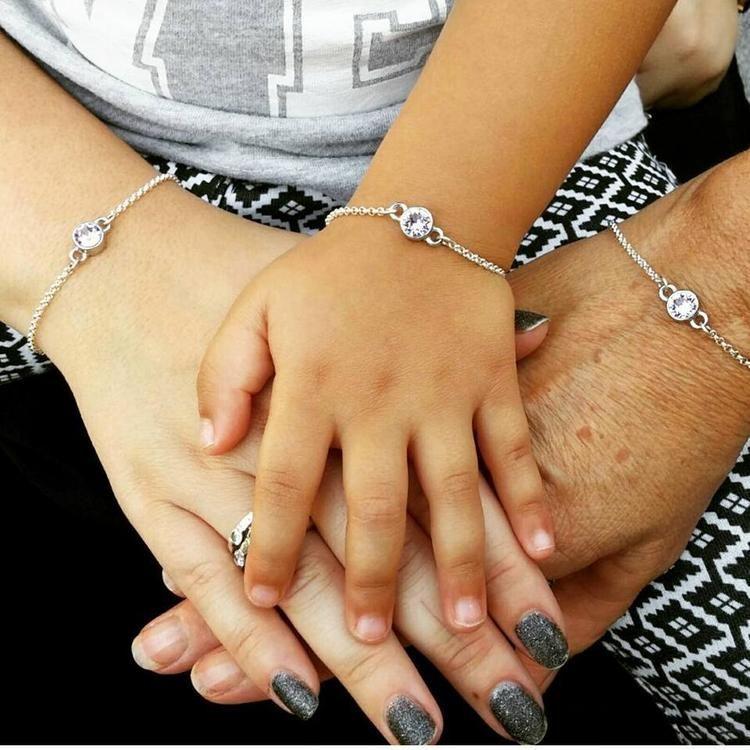 Verrassend Een mooi kerstcadeau! Armbanden met Swarovski steentje ♡ 15,- per VT-98