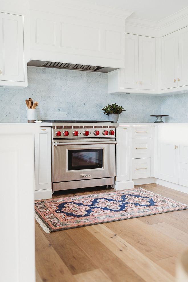Benjamin Moore Oxford White Kitchen Cabinets Are Paint Grade Mdf With A Shaker Door Style In Be Natural Light Kitchen Kitchen Cabinet Door Styles Kitchen Decor