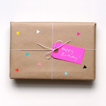 25 Ways To Wrap With Brown Paper Birthday Gift Wrapping Paper Gifts Gift Wrapping Inspiration