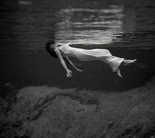 Lady in the Water, Weeki Wachee Spring, Florida, by fashion photographer Toni Frissell, Harper's Bazaar, December 1947