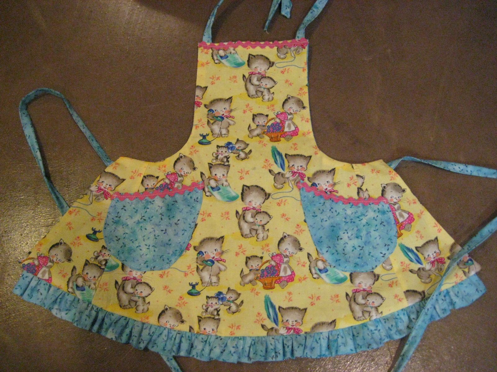 Julie Feldhaus Kitten Apron Cute Aprons Apron Sewing