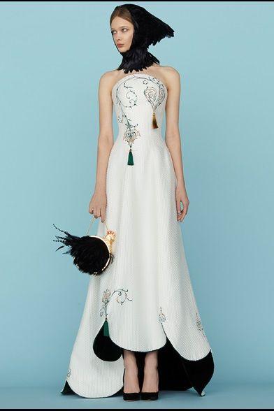 Sfilata Ulyana Sergeenko Parigi - Alta Moda Primavera Estate 2015 - Vogue