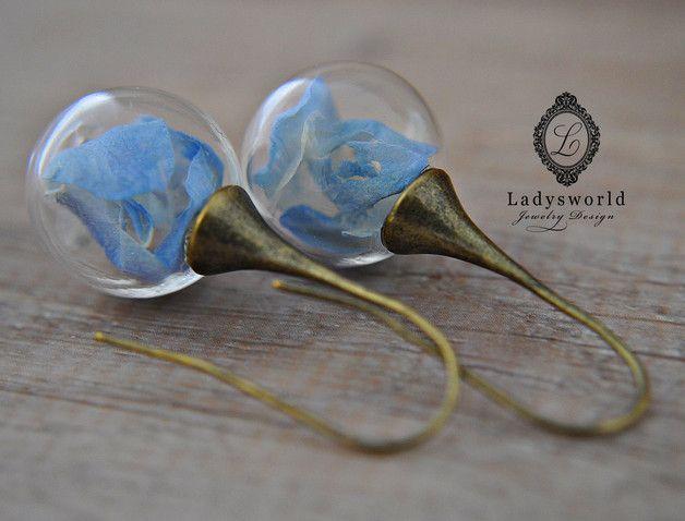"""Pendientes colgantes - """"bola de la flor verdadera"""" Earring ... - hecho a mano por Ladysworld en DaWanda"""