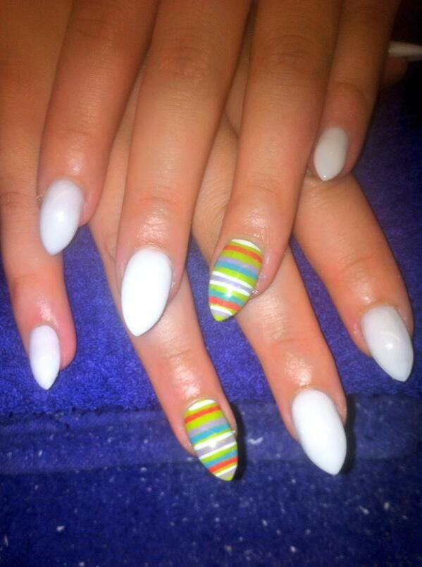 White nails with stripes