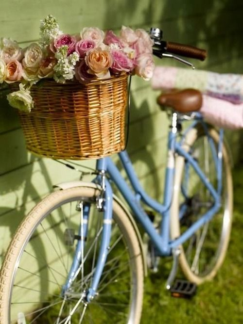 Pin By Navis Pack Ship On Baskets Pretty Bicycle Blue Bicycles Bike Basket