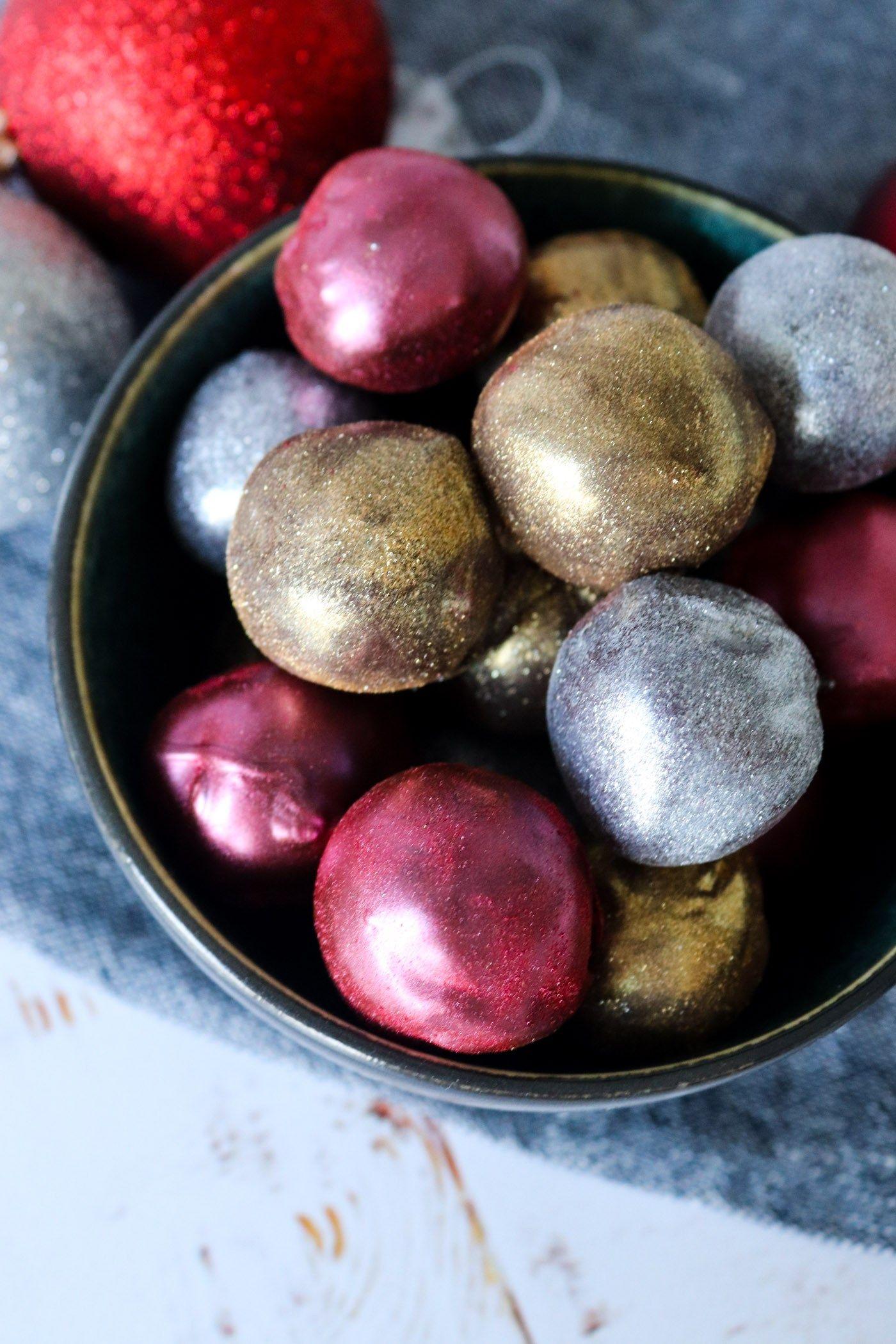 Konfekt Med Baileys Og Marcipan - Spiselige Julekugler - Juleslik #konfektjul