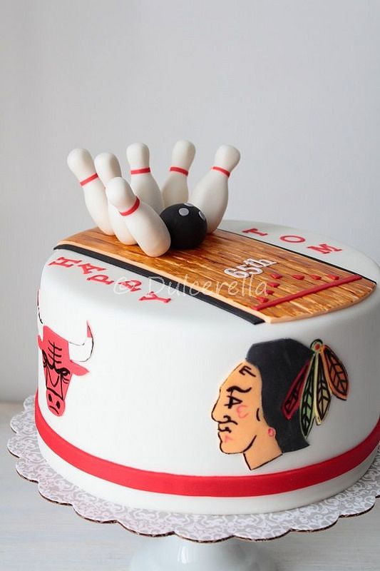 Bowling and all Chicago teams fan Cake