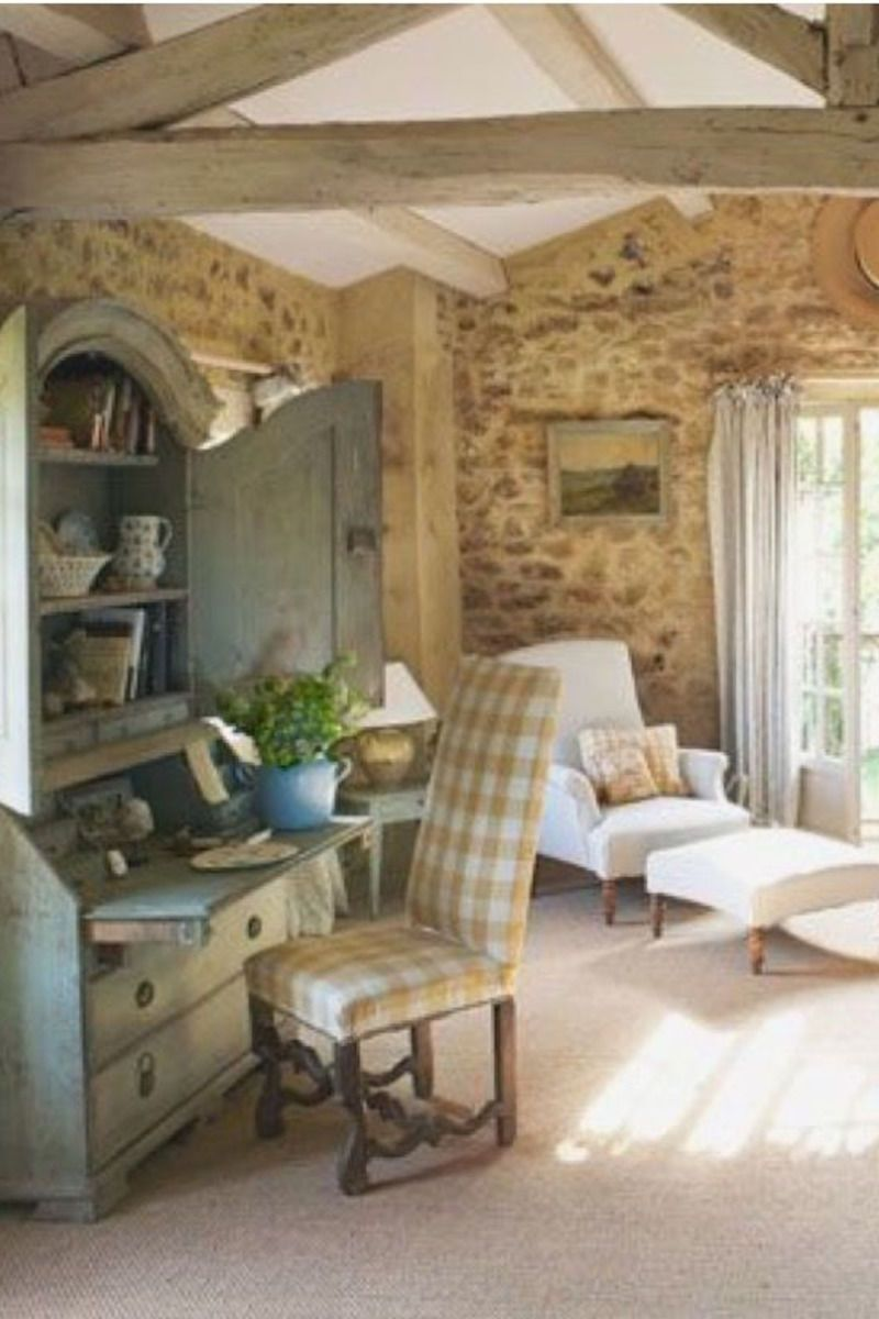 Shabby Chic Cottage Blends Vintage Creatively In 2020 French