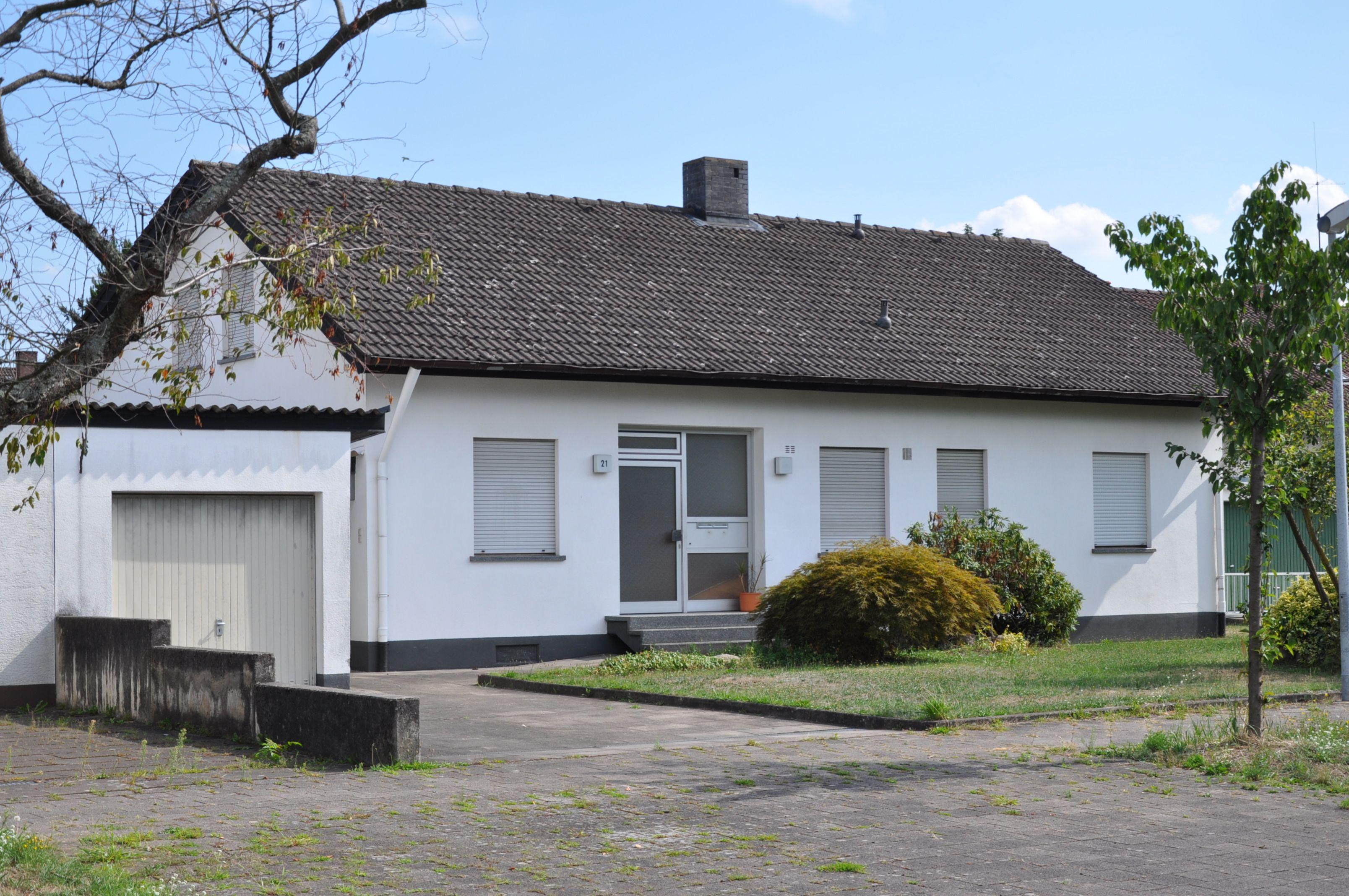 Familienhaus in Karlsruhe Straßenansicht Haus, Familien