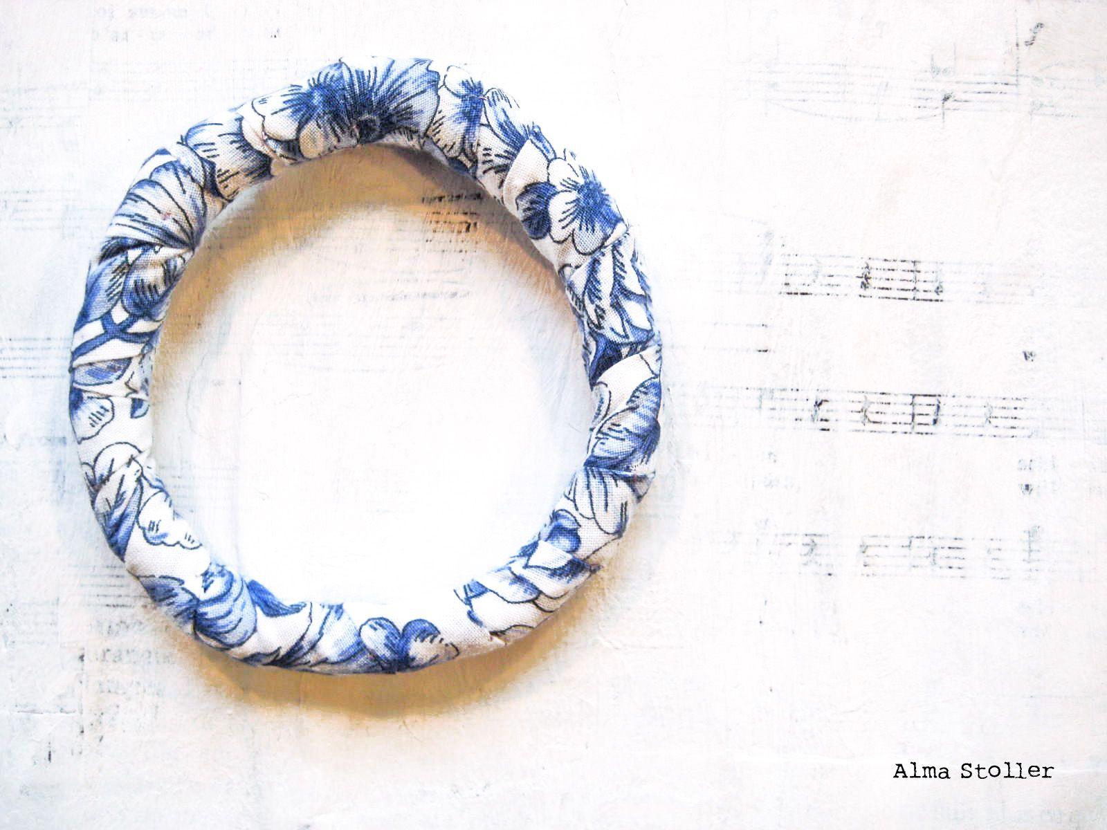 tutorial: how to make a fabric bracelet