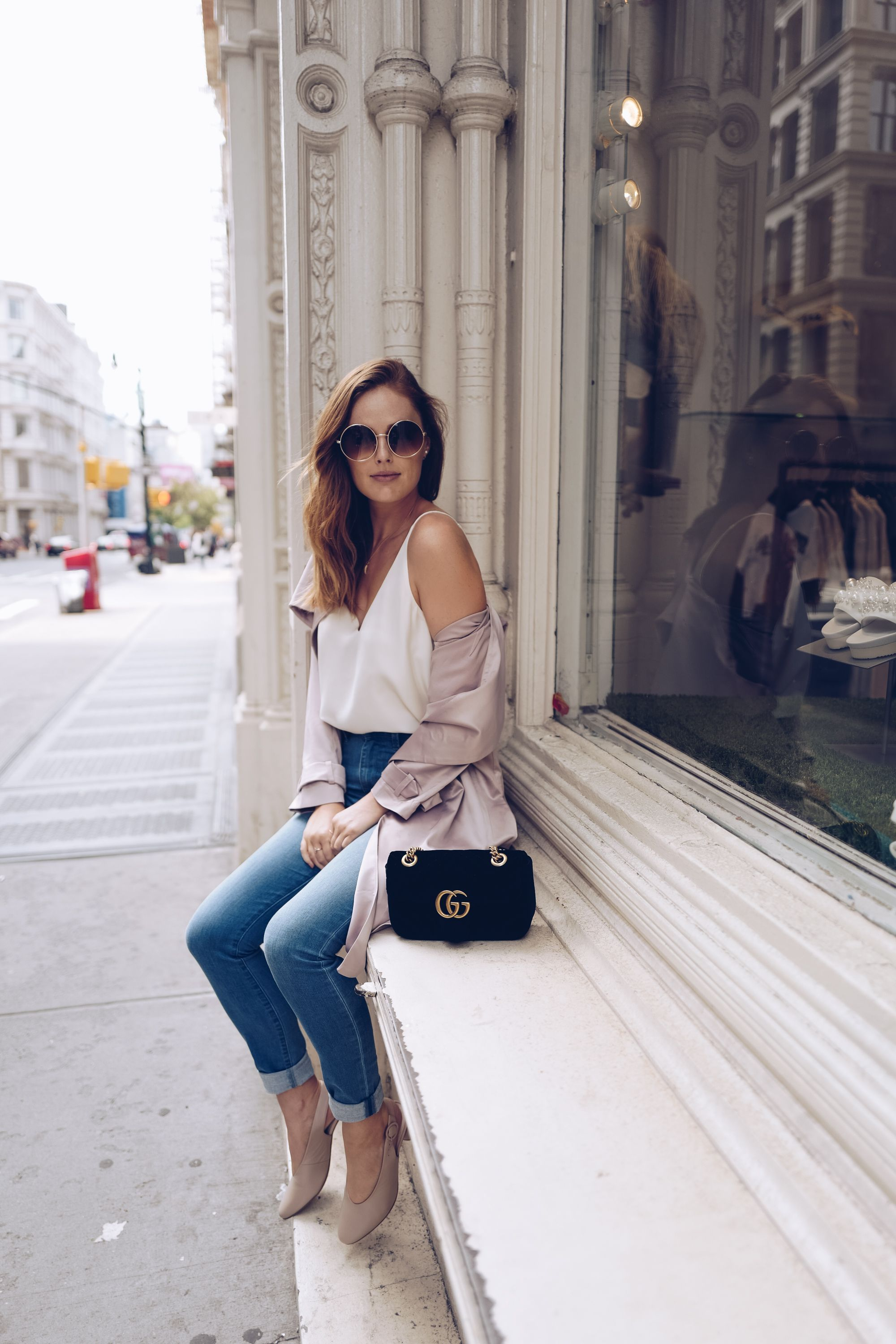 31c577c468ed9 Casual blue jeans outfit with duster coat. Gucci Velvet Marmont bag ...