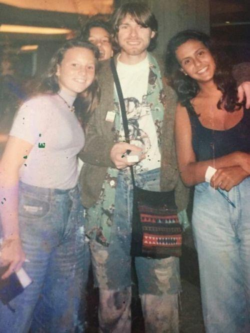 Niirvana New Kurt Cobain With Fans In Rio De Janeiro In