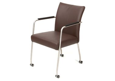 Stoel Op Wieltjes : Linea leren buizenframe stoel met wieltjes home pinterest