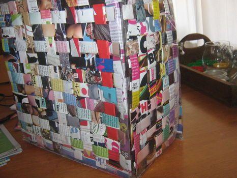 Magazine Bag :] | Recycled magazines, Recycled magazine ...