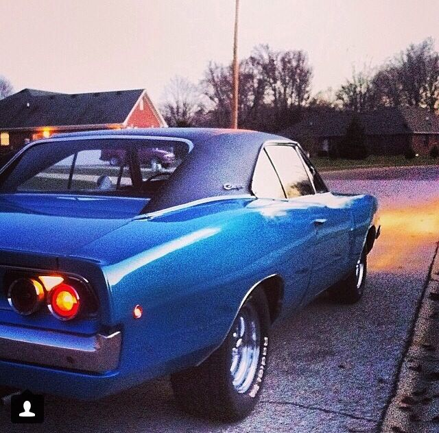 1968 Dodge Charger 440 Blue With Black Vinyl Top And Magnum Rims 1968 Dodge Charger Dodge Charger Black Vinyl