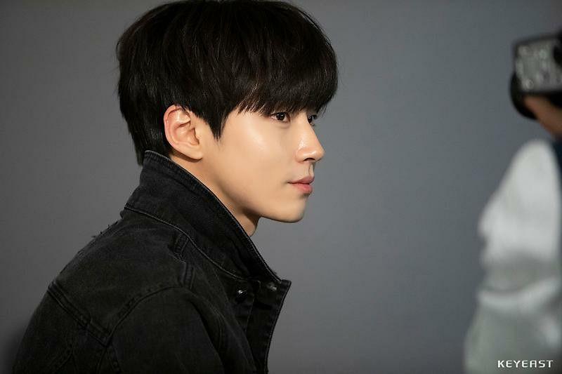 Pin Oleh Di Hwang In Yeop 황인엽 Aktor Gambar Idol