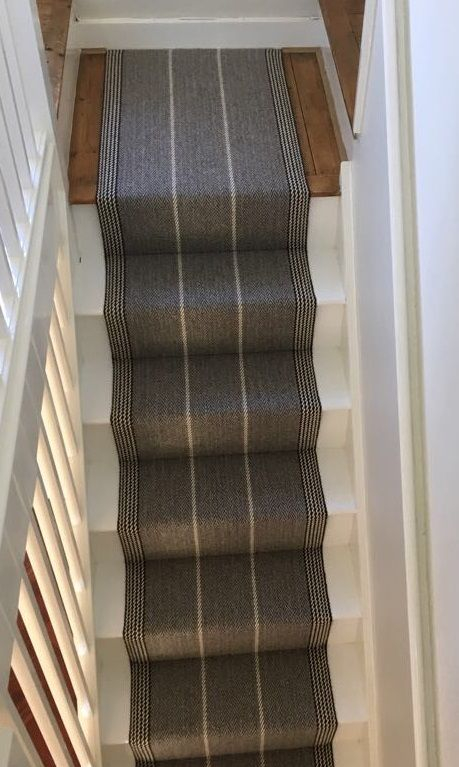 Best Roger Oates Shetland Collection Swanson Light Grey 400 x 300