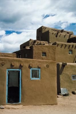 How To Make Pueblo Hut Crafts Crafts Pueblo Indians Pueblo