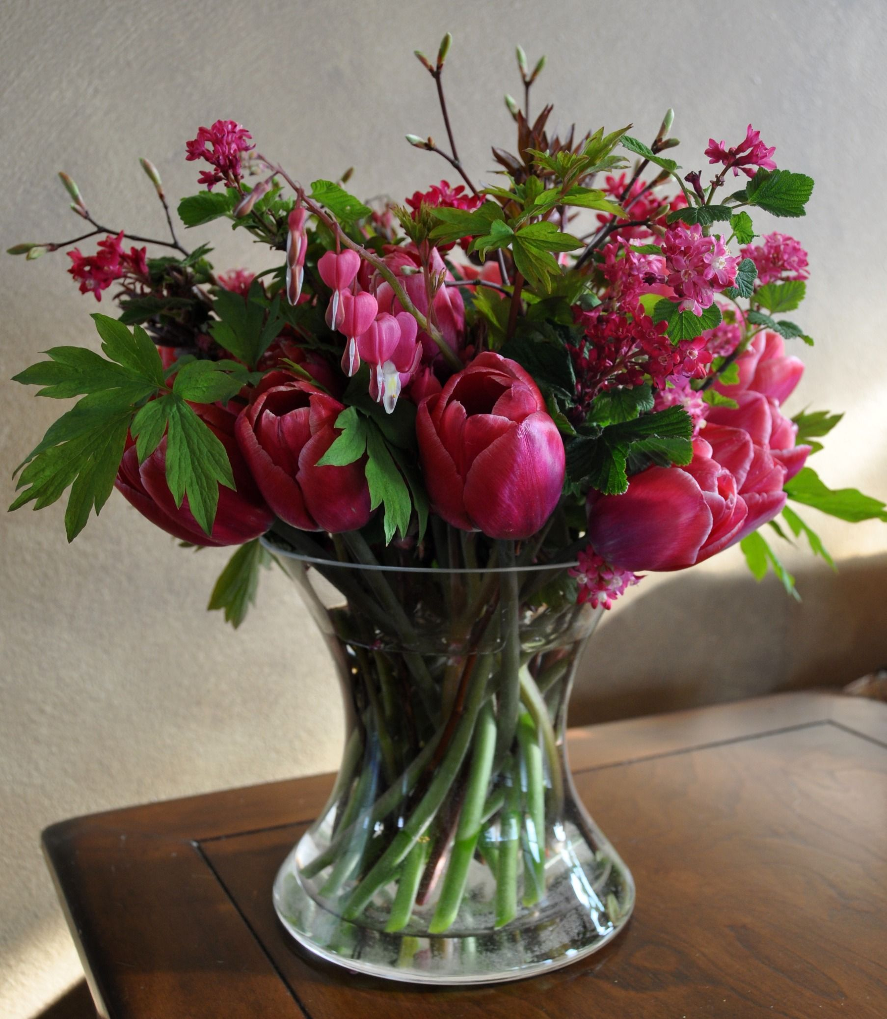 Flower arrangements flowers used in this arrangement include tulip flower arrangements flowers used in this arrangement include tulip bleeding heart currant izmirmasajfo