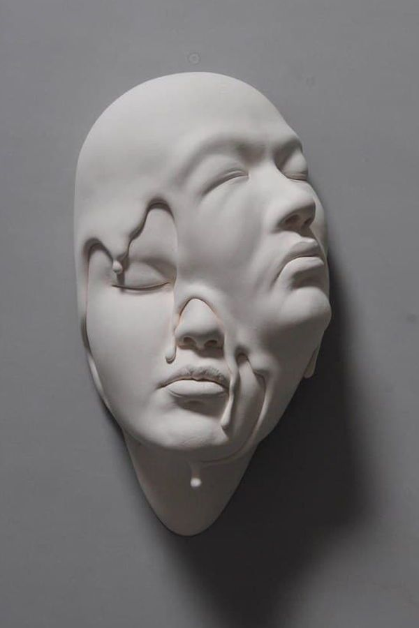 Surreal Sculptures of Contorted Clay Faces Reinterpret Reality