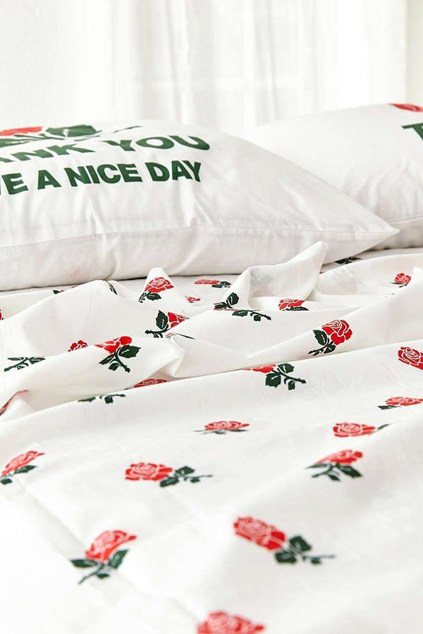 Chinatown Market For Uo Roses Sheet Set Urban Outers