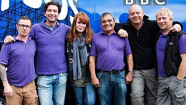 Bbc One Diy Sos With L R Mark Miller Nick Knowles Gabrielle Blackman Billy Byrne Julian Perryman Chris Frediani