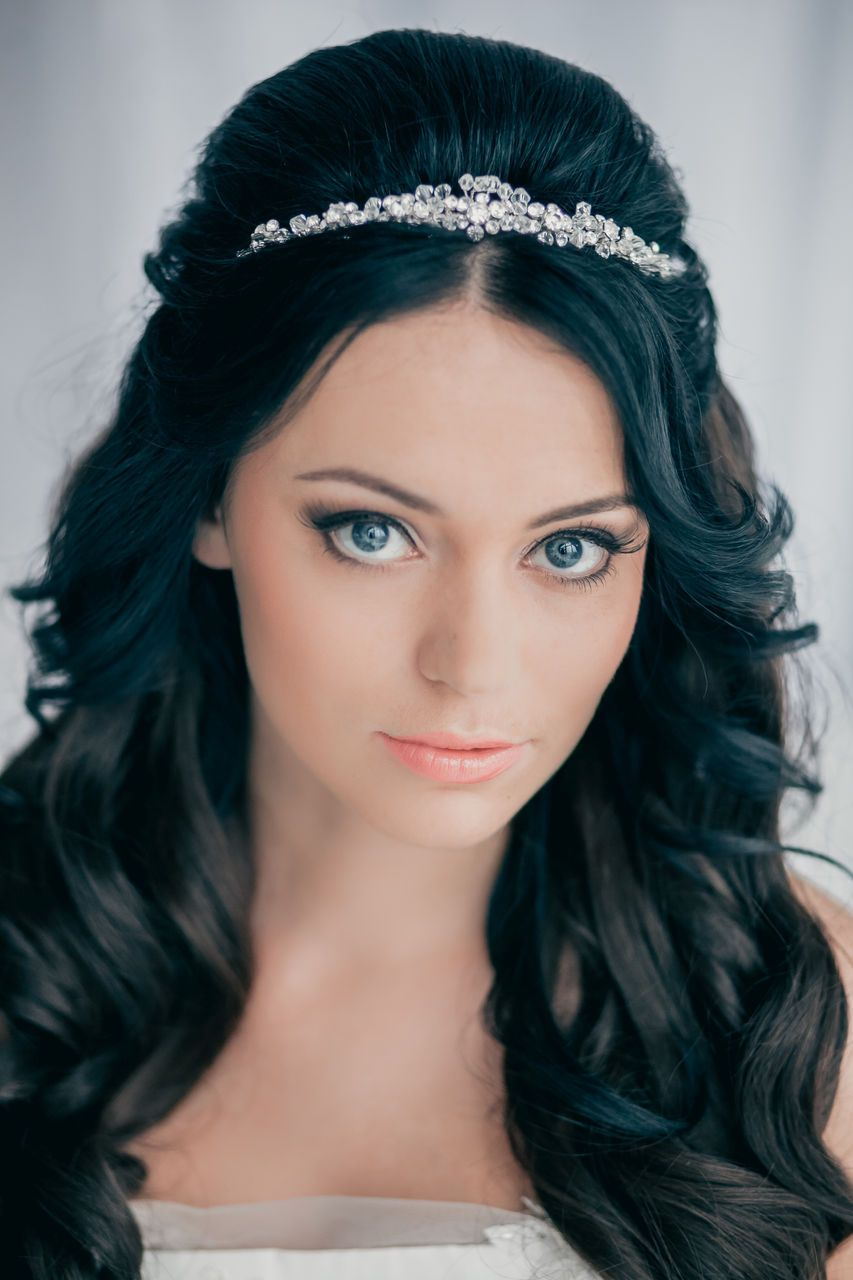 hairstyle long hair and a diadem