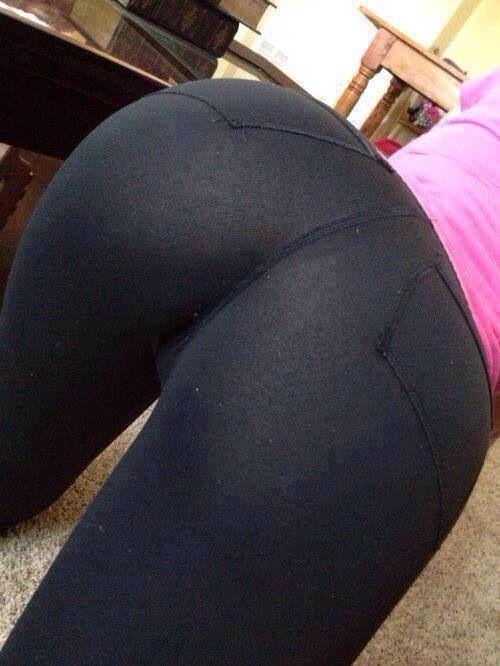 White Yoga Pants Twerk