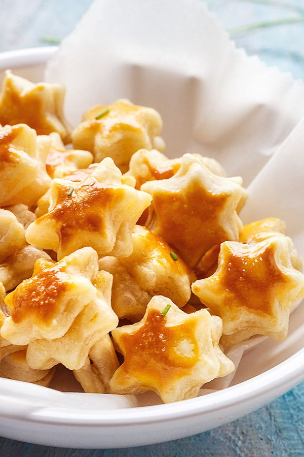 Parmesan Puff Stars | Easy appetizer recipes, Appetizer recipes, Puff pastry recipes