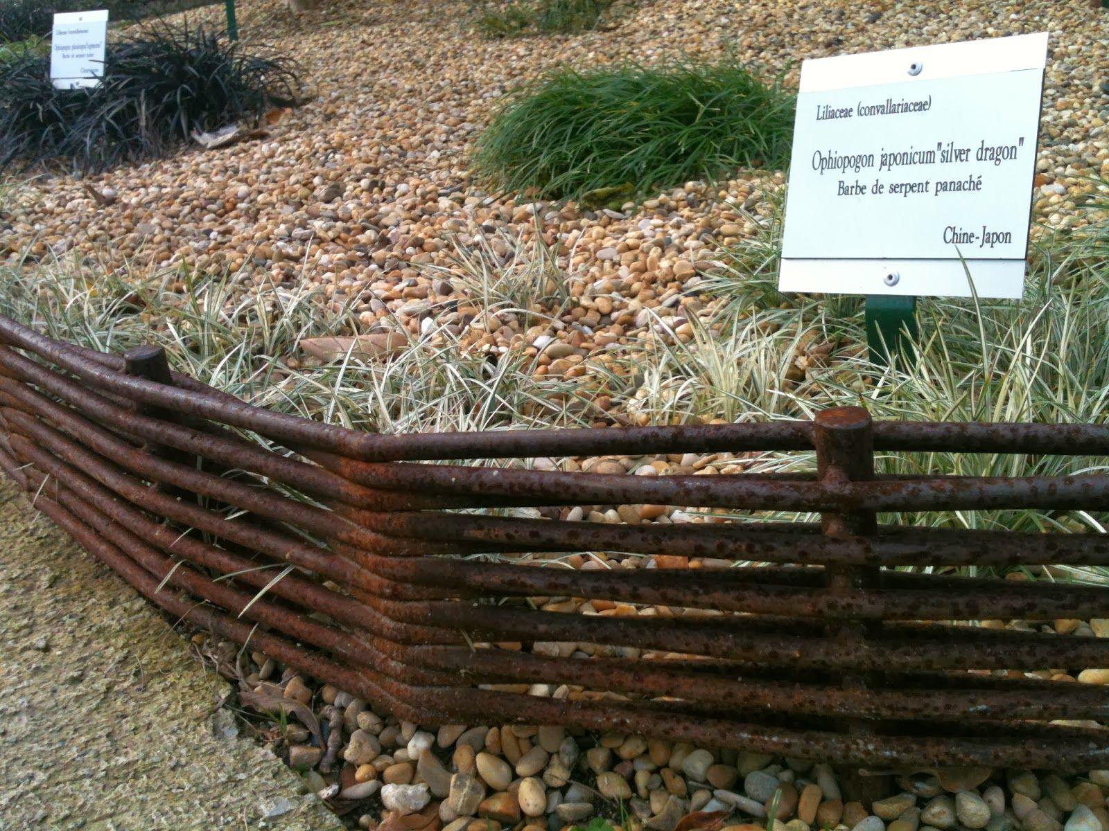 Des Bordures En Fer A Beton Idees Jardin Bordure Jardin Jardins