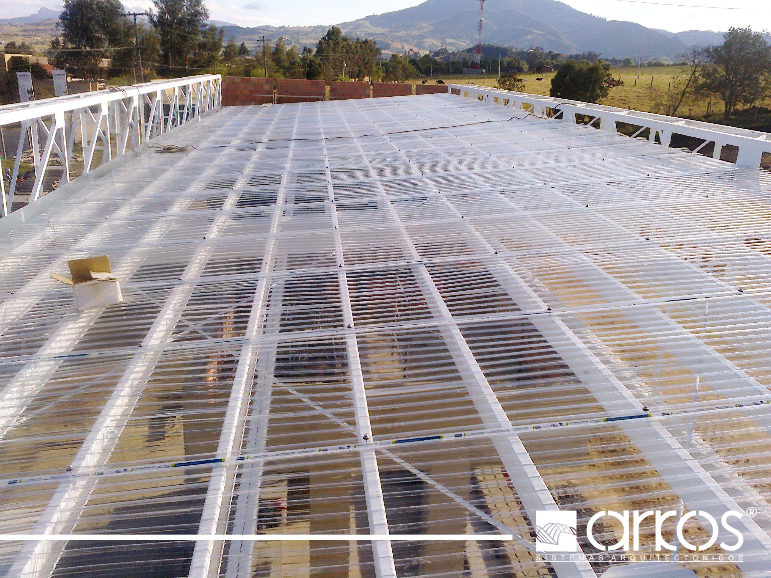 Cubierta en policarbonato cristal perfil teja greca cubiertas ecoroof y techos pinterest - Cubierta de cristal ...