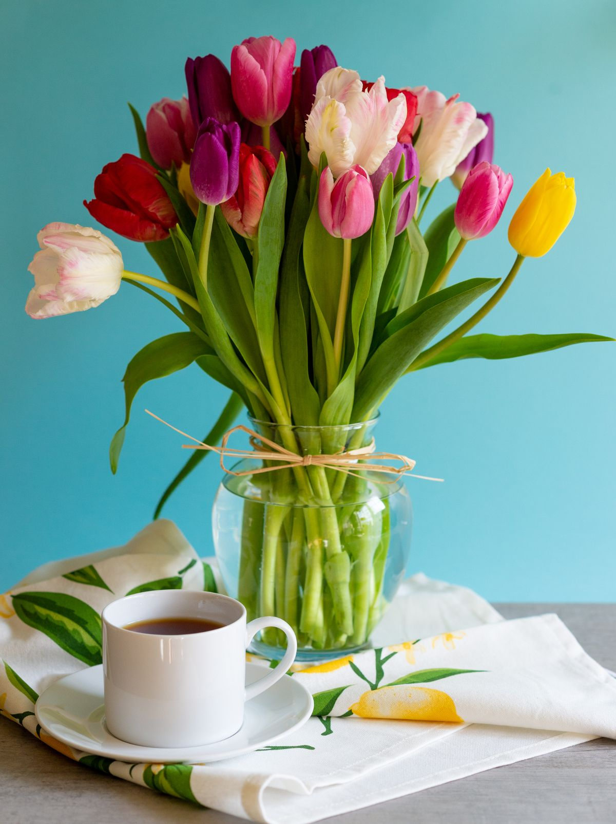 Make Mother's Day cheerful with a tulip bouquet! Our