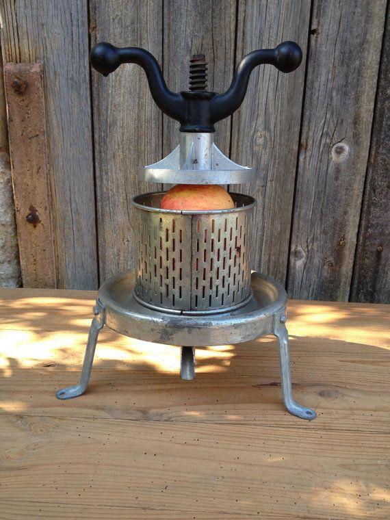 Presse fruits Pressoir de table à olives par VINTAGEorangeBAZAR