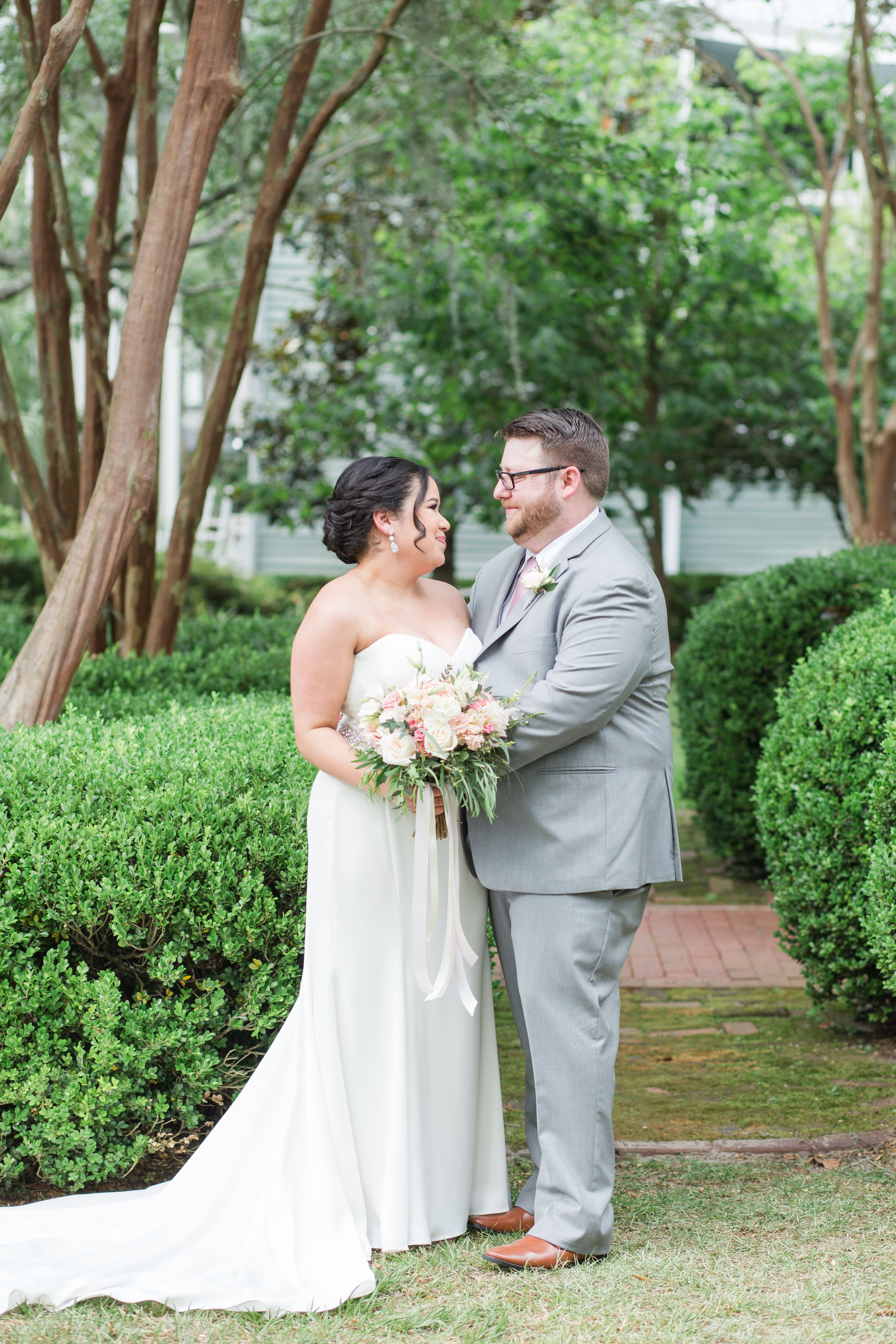 Mauve Wedding l Amber Brogdon Photography l Tallahassee Garden Club Wedding Venue l Mauve Navy Gold