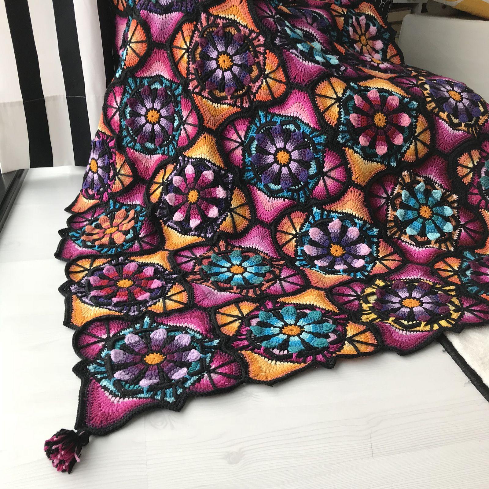 Stained Glass Flowers Blanket By Johanna Lähteenvuo - Free Crochet Pattern - (ravelry)