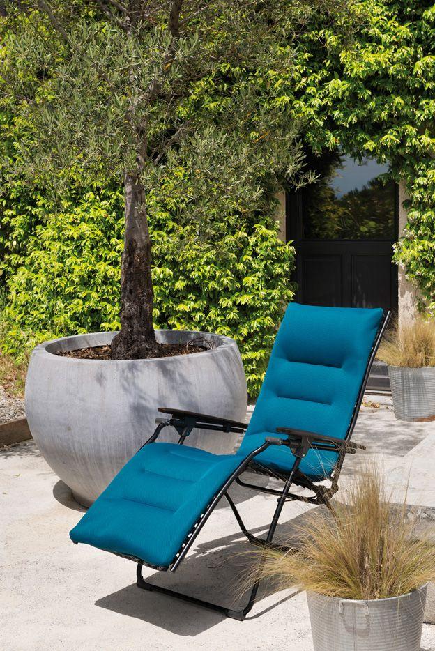Die Relaxliegen Der Serie Evolution Von Lafuma Bieten Ihnen Ein Elegantes Und Modernes Design Und Beeindruc Gartenmobel Hochwertige Gartenmobel Modernes Design