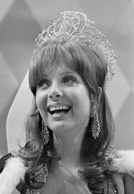 Resultado de imagen para 1970 miss universe crown