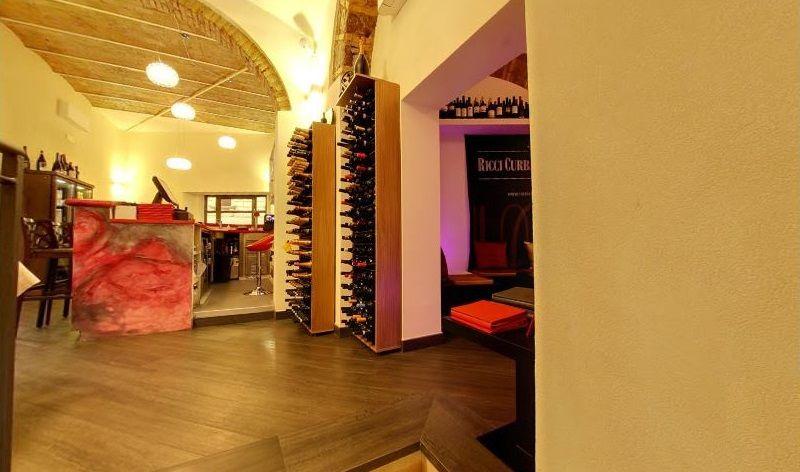 Porta bottiglie vino dal design moderno esigo 2 wall for Idee per arredare enoteca