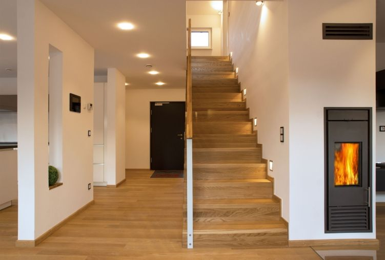 Treppe im Musterhaus Ulm - Plusenergiehaus der 3. Generation ...