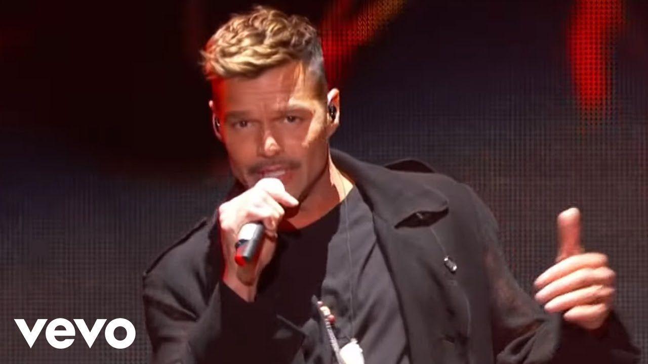 Ricky Martin Fiebre Ft Wisin Yandel Premios Billboard De La Música Ricky Martin Premios Billboard Premios Billboard De La Música