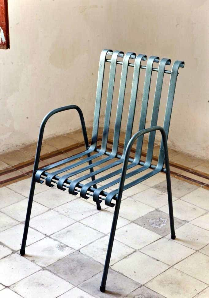 Cute 1970 S Vintage Green Iron Patio Chairs These Look Amazing Both Inside And Outside Vintage Patio Furniture Iron Chair Metal Chairs