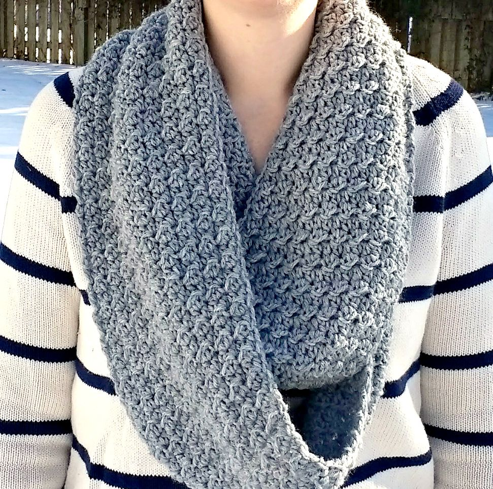 Crochet this free infinity scarf pattern using Lion Brand Wool-Ease ...