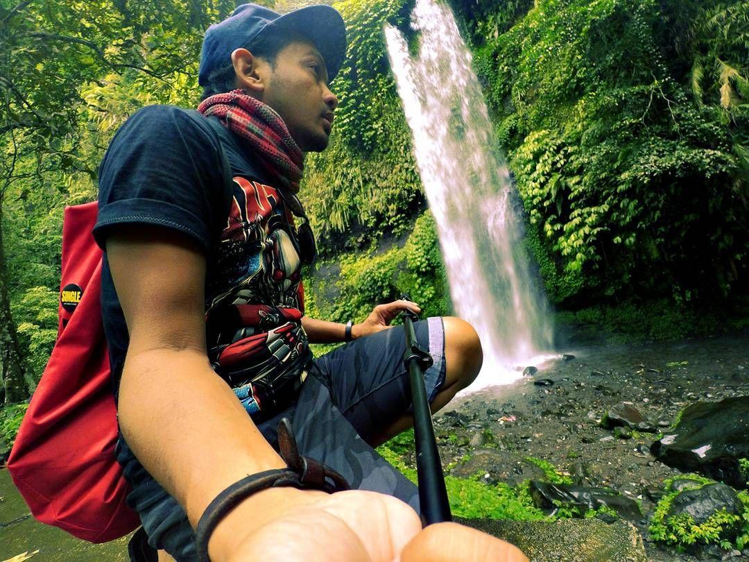 Greeny with me.  Thrwbck - momentz yg ditulis dlm memory  #jalanjalan #backpacker #kemanakitani #kemanakitaney #lombokexperience #igersoftheday #igersindonesia #indonesia #mygenggua #lifestyle #malaysia #instamoment #explorelombok #travel #lombokisland #lombok #ikutcarakita #instatravel #journey #igerphotography #exploretheworld #dekatje #yicam #my_ig_lah #leisure #blogger #vscocam #igfeedsmenarik_ #bloggermalaysia #findlombok by peijalzdaniel