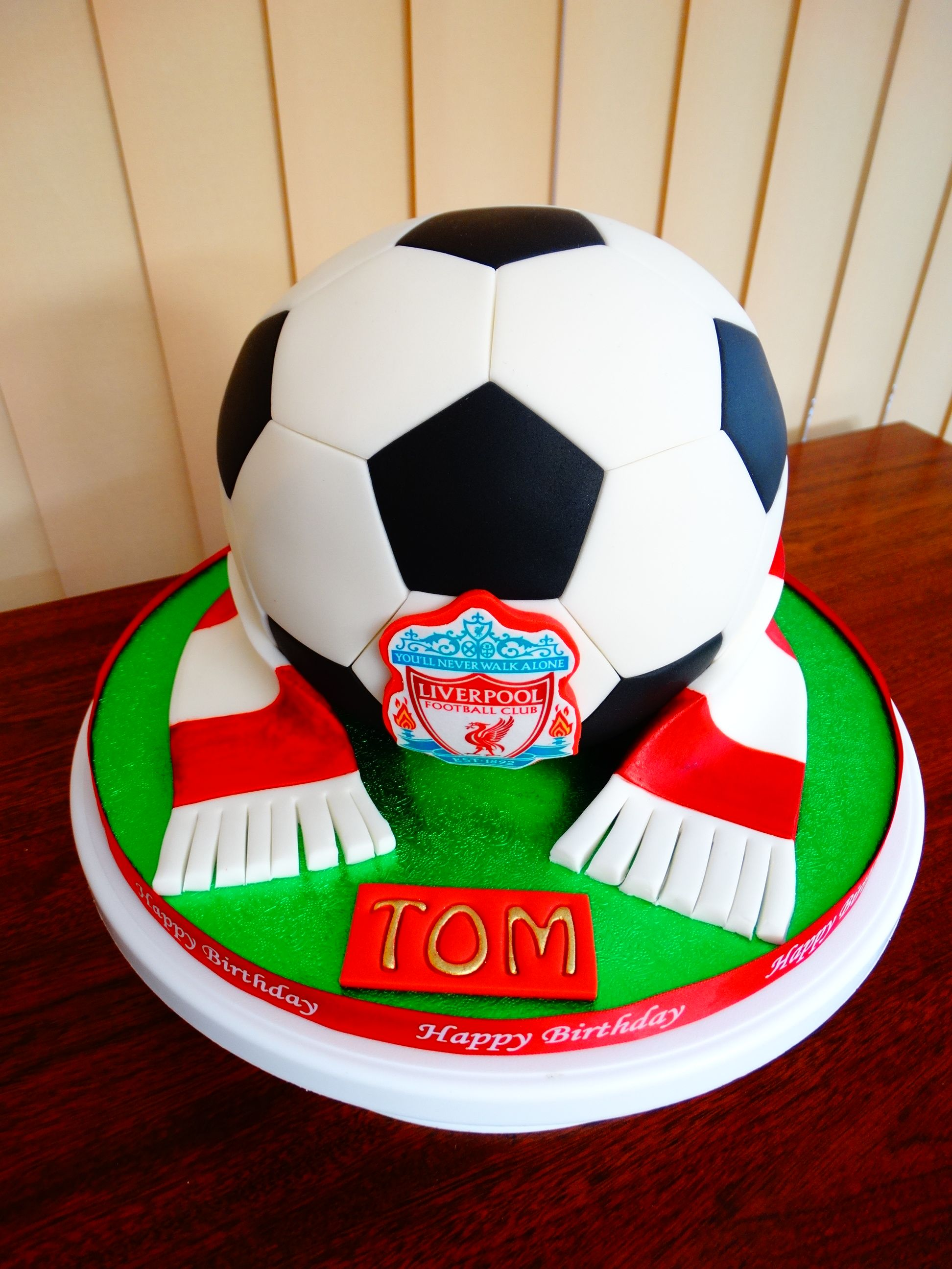 Liverpool Theme Football Cake Xmcx Soccer Birthday Parties Birthday Cake Pops Football Cake