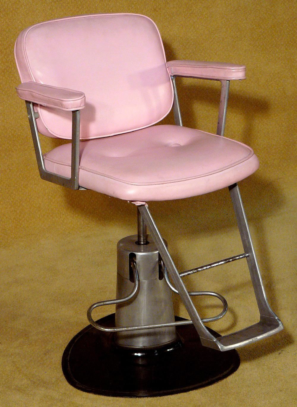 Vintage Beauty Salon Chair Pink X2 Vintage salon, Salon