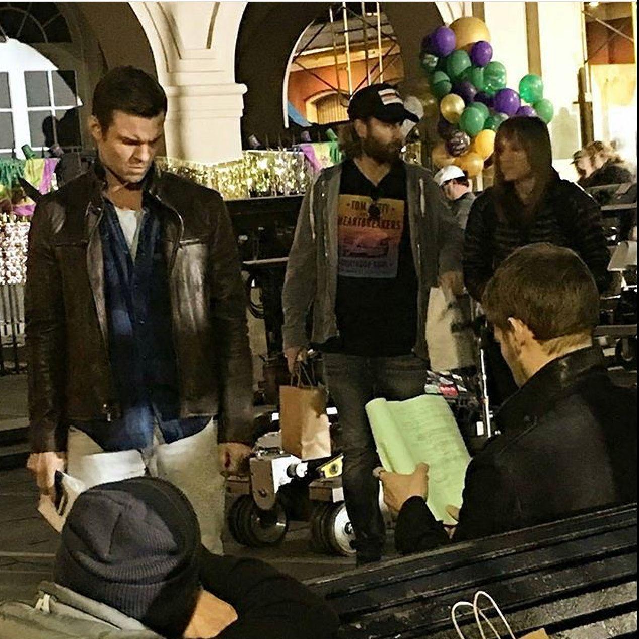 Daniel Gillies and Joseph Morgan behind scenes of 5x13 season 5
