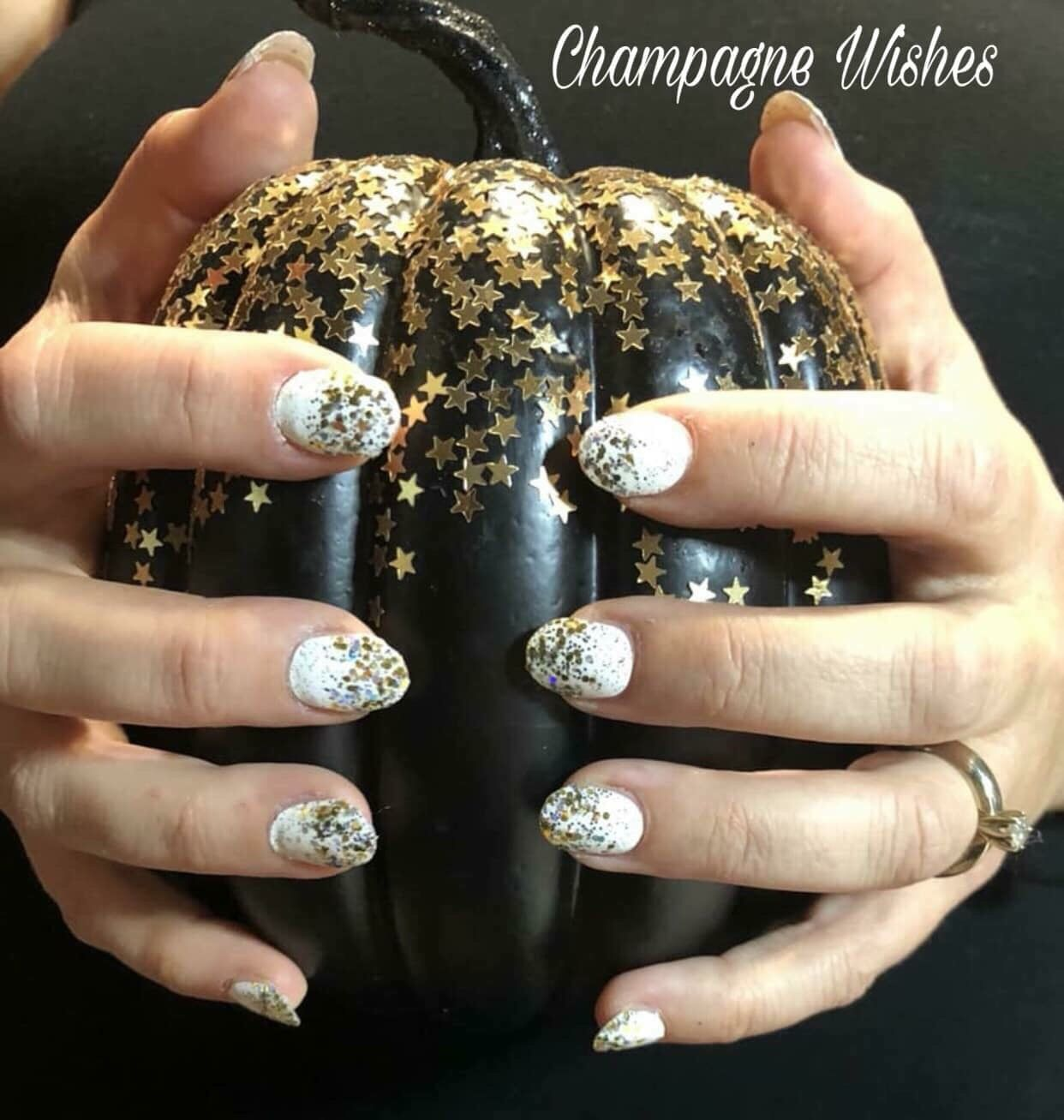 Get Champagne Wishes from Color Street for a sparkly