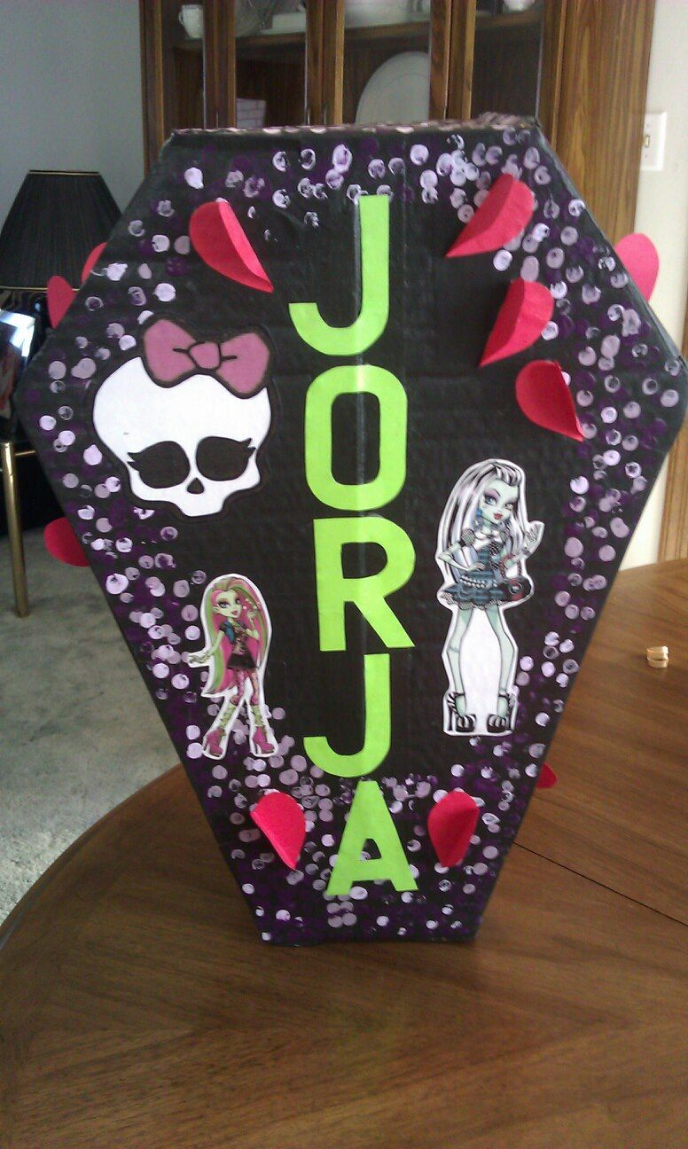 Monster High Valentine Box Shaped like a coffin with the slot for